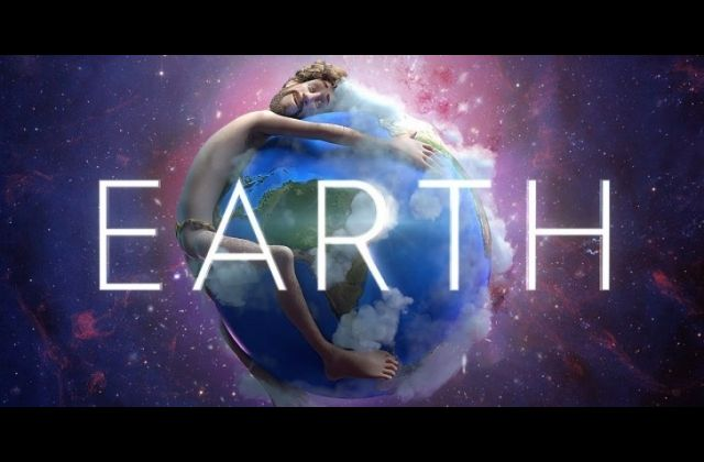 Lil Dicky – Earth ft. Justin Bieber, Ariana Grande, Halsey