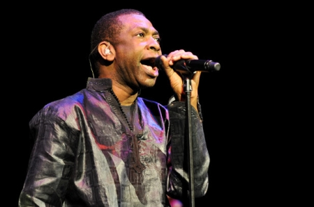 Shakin' The Tree - Youssou Ndour